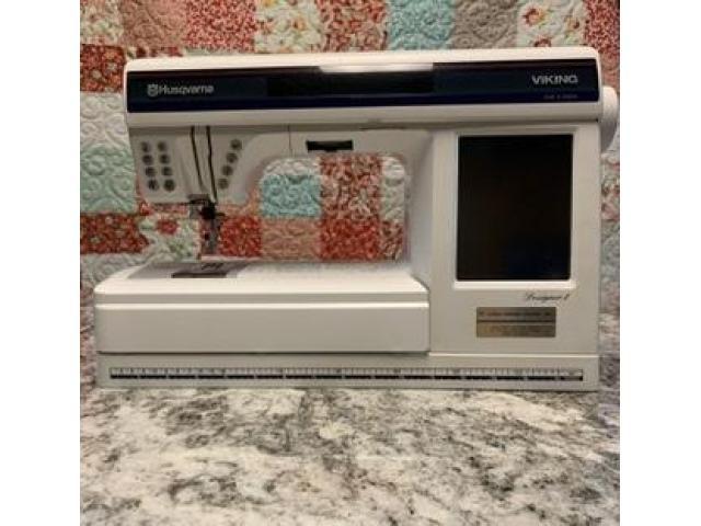 Designer One sewing machine by Viking Husqvarma