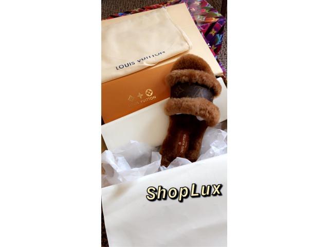 Louis Vuitton Fur slides