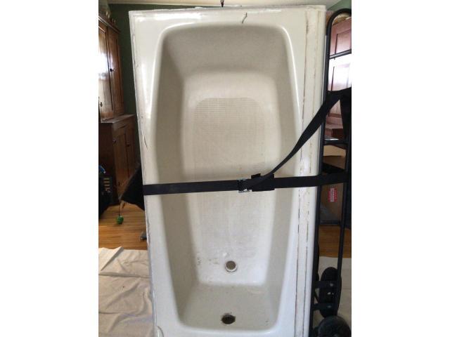 "60"" Kohler cast iron bathtub"